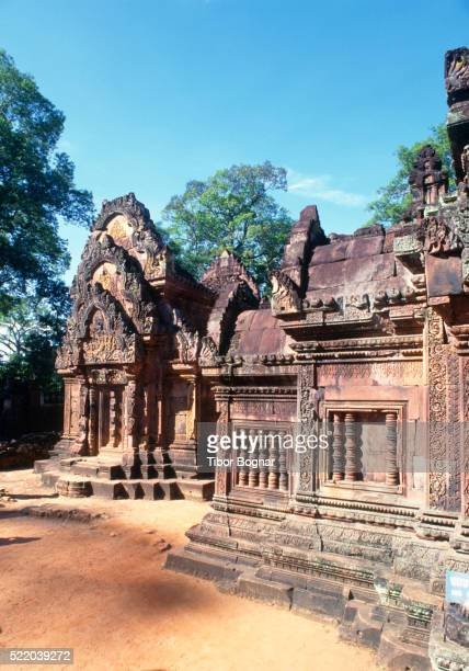 Angkor, Banteay Srei temples