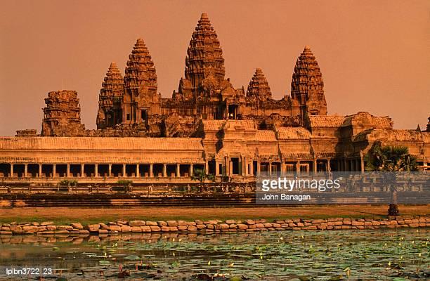 Angkor Wat at dawn, Angkor, Siem Reap, Cambodia, South-East Asia