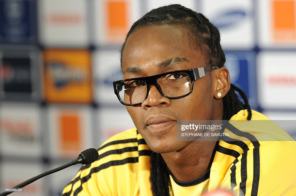 Angola's forward and captain Alberto Manucho attends a press conference at Nelson Mandela Bay Stadium in Port Elizabeth on January 26, 2013, on the eve of the 2013 African Cup of Nation Group A football match against Cap Verde. AFP PHOTO / STEPHANE DE SAKUTIN