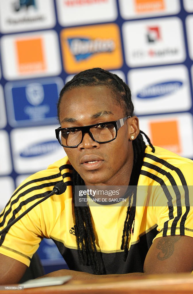 Angola's forward and captain Alberto Manucho attends a press conference at Nelson Mandela Bay Stadium in Port Elizabeth on January 26, 2013, on the eve of the 2013 African Cup of Nation Group A football match against Cap Verde.