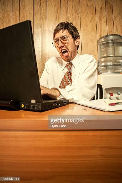怒りのビジネスの男性のオフィス