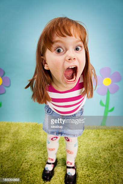 Angry Menina com Cabelo Ruivo, detalhadas mundo