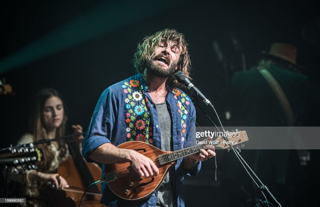 Angus Stone In Concert At la Cigale