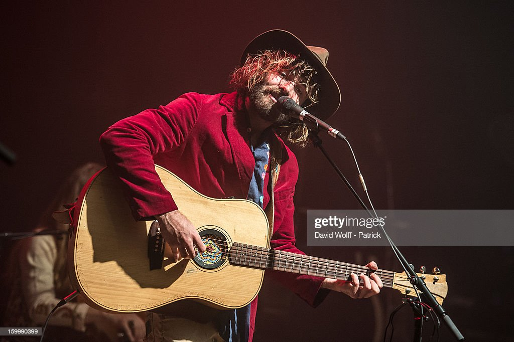 Angus Stone performs at La Cigale on January 24, 2013 in Paris, France.