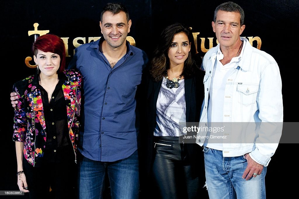 Angy, Manuel Sicilia, Inma Cuesta and <a gi-track='captionPersonalityLinkClicked' href=/galleries/search?phrase=Antonio+Banderas&family=editorial&specificpeople=171176 ng-click='$event.stopPropagation()'>Antonio Banderas</a> attend 'Justin And The Knights Of Valour' (Justin Y La Espada Del Valor) photocall at Castle of Villaviciosa de Odon on September 11, 2013 in Villaviciosa de Odon, Spain.