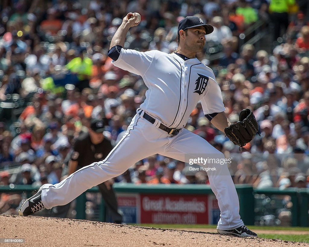 Anibal Sanchez of the Detroit Tigers pitches in the fifth inning during a MLB game against the New York Mets at Comerica Park on August 7 2016 in...