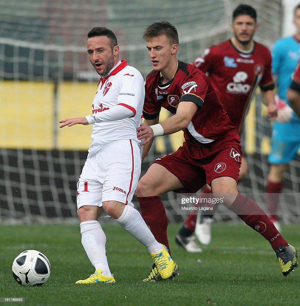 Aniello Cutolo (L) of Padova is challenged by Rodrigo Ely of Reggina during the Serie B match between Reggina Calcio and Calcio Padova on February 16, 2013 in Reggio Calabria, Italy.