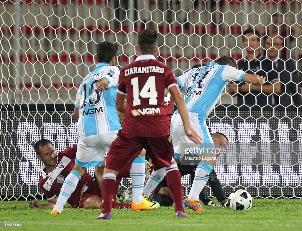 Aniello Cutolo of Pescara scores his team's second goal during the Serie B match between Trapani Calcio and Pescara Calcio at Stadio Provinciale on September 2, 2013 in Trapani, Italy.