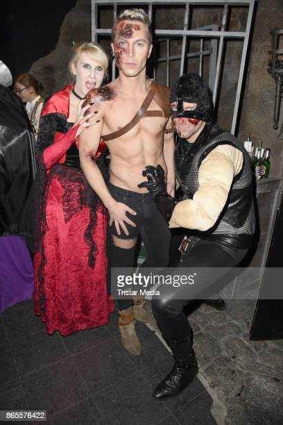 Anika Reichel Julian David and Daniel Termann during the Halloween party by Natascha Ochsenknecht at Berlin Dungeon on October 23 2017 in Berlin...