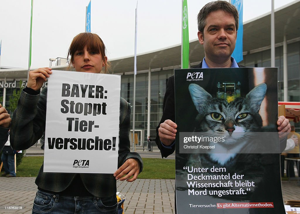 poverty and animal rights activist Sonja urban is a german-born human and animal rights activist who  the  causes i support are kidscan (child poverty) and safe (animal.