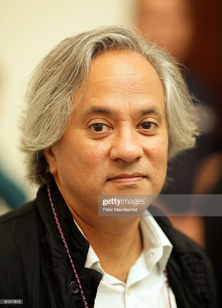<a gi-track='captionPersonalityLinkClicked' href=/galleries/search?phrase=Anish+Kapoor&family=editorial&specificpeople=3965986 ng-click='$event.stopPropagation()'>Anish Kapoor</a> at The Royal Academy on September 22, 2009 in London. The <a gi-track='captionPersonalityLinkClicked' href=/galleries/search?phrase=Anish+Kapoor&family=editorial&specificpeople=3965986 ng-click='$event.stopPropagation()'>Anish Kapoor</a> exhibition runs from September 26 to December 11, 2009 at The Royal Academy.