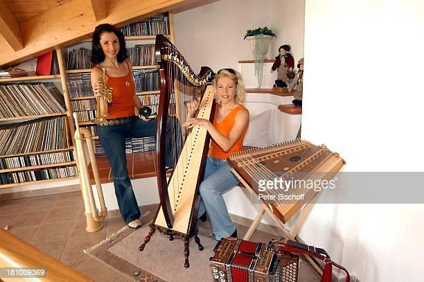 Anita Hofmann Schwester Alexandra Hofmann Homestory Meßkirch Musikerin Sängerin Harfe spielen Musikinstrument Instrument Akkordeon Zitter musizieren...