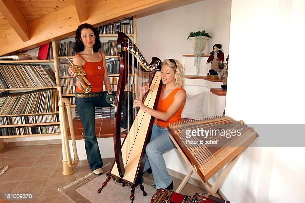 Anita Hofmann Schwester Alexandra Hofmann Homestory Meßkirch Musikerin Sängerin Harfe spielen Musikinstrument Instrument Trompete Zitter musizieren...