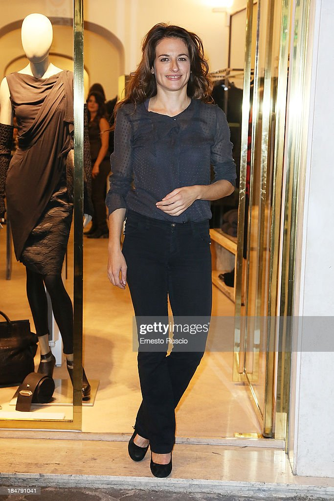 <a gi-track='captionPersonalityLinkClicked' href=/galleries/search?phrase=Anita+Kravos&family=editorial&specificpeople=6380192 ng-click='$event.stopPropagation()'>Anita Kravos</a> attends the Malloni Boutique opening at Via Della Croce on October 16, 2013 in Rome, Italy.