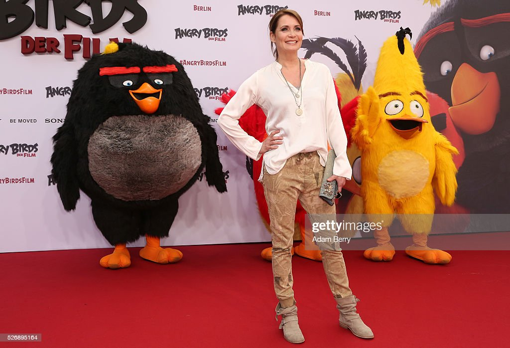 <a gi-track='captionPersonalityLinkClicked' href=/galleries/search?phrase=Anja+Kling&family=editorial&specificpeople=220767 ng-click='$event.stopPropagation()'>Anja Kling</a> attends the premiere of 'Angry Birds - Der Film' on May 01, 2016 in Berlin, Berlin.