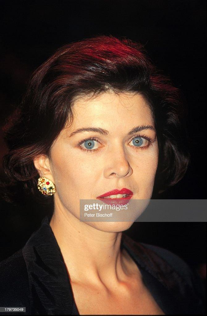 Anja Kruse, 5. August 1957, Porträt,;Schauspielerin, Sternzeichen: Löwe - anja-kruse-5-august-1957-portrtschauspielerin-sternzeichen-lwe-picture-id179735049