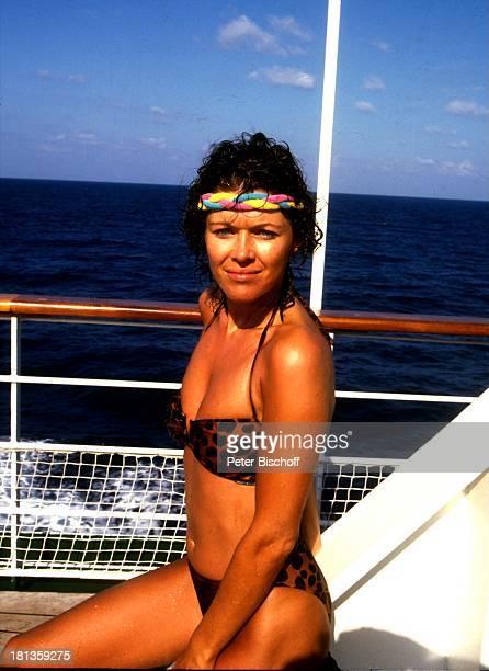 'Traumschiff' Folge 'Thailand' MS 'Berlin' Kreuzfahrt Kreuzfahrtschiff Bikini sonnen