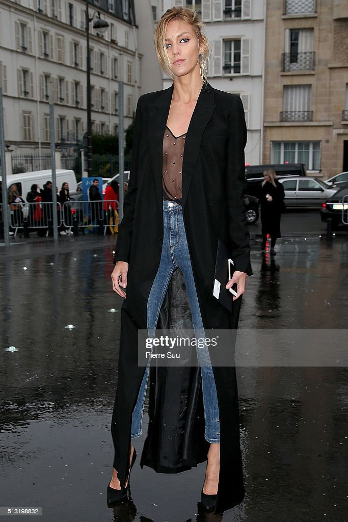 Anja Rubik arrives at the Anthony Vaccarello show as part of the Paris Fashion Week Womenswear Fall/Winter 2016/2017 on March 1 2016 in Paris France