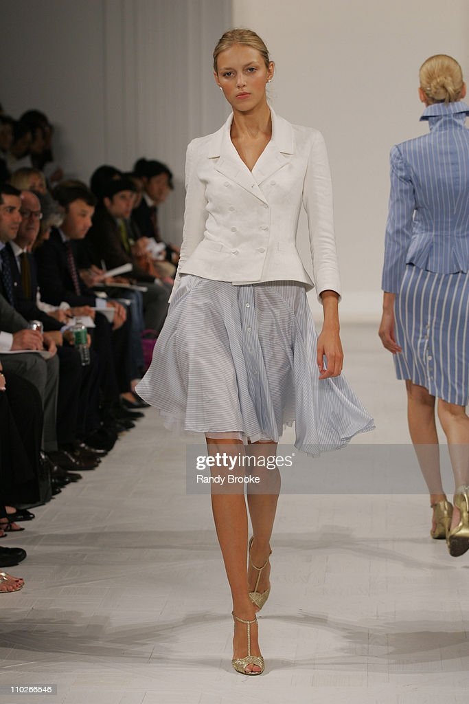<a gi-track='captionPersonalityLinkClicked' href=/galleries/search?phrase=Anja+Rubik&family=editorial&specificpeople=4341980 ng-click='$event.stopPropagation()'>Anja Rubik</a> wearing Ralph Lauren Spring 2006 during Olympus Fashion Week Spring 2006 - Ralph Lauren - Runway at The Annex in New York City, New York, United States.