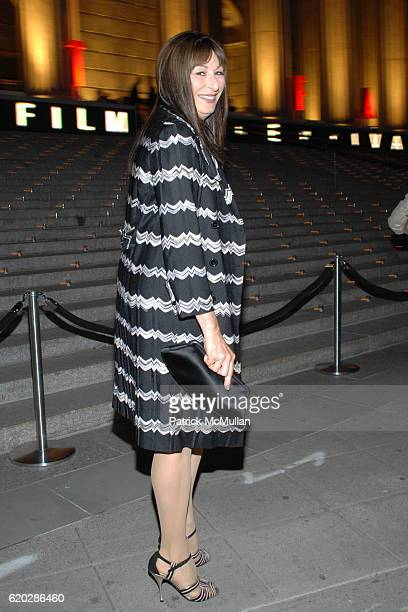 Anjelica Huston attends VANITY FAIR Tribeca Film Festival Party hosted by GRAYDON CARTER ROBERT DE NIRO and RONALD PERELMAN at The State Supreme...