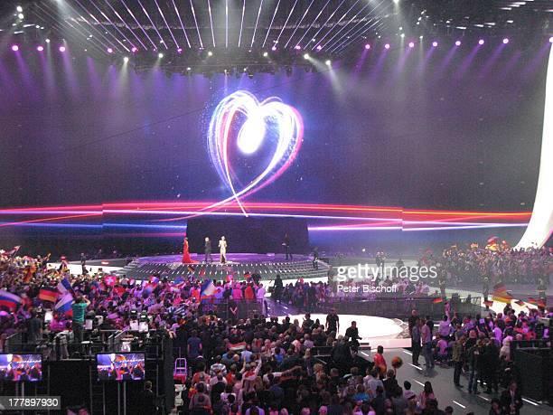Anke Engelke Stefan Raab Judith Rakers Publikum L E DL e i n w a n dHerz Logo 'Feel your heart beat' vom Finale ARDMusikshow 'Eurovision Song Contest...