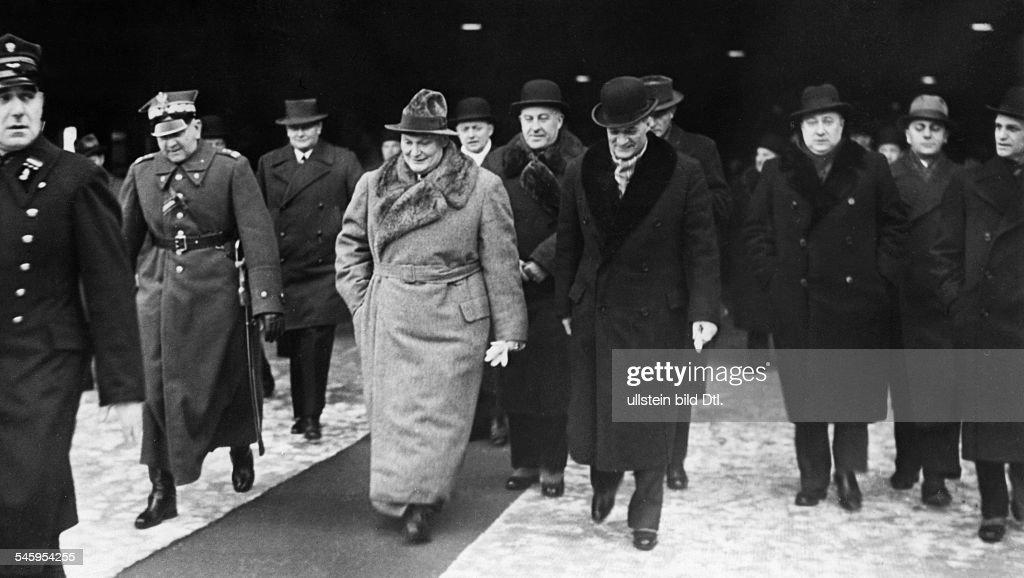 aussenpolitik 1938 - ankunft von hermann göring in warschau, Einladung