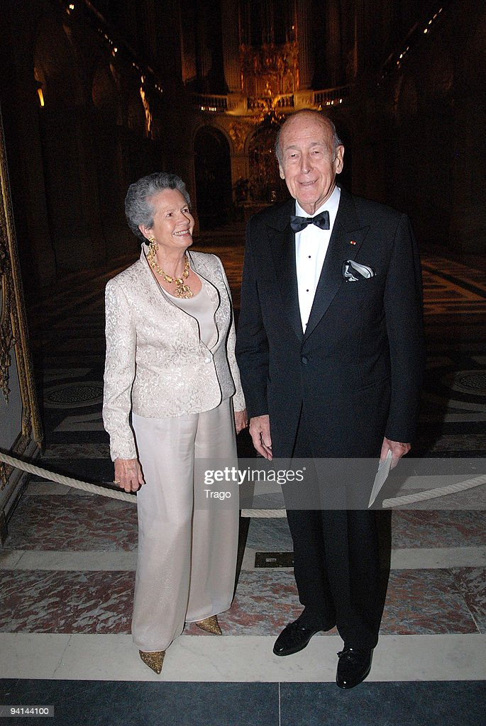 Anémone Giscard d'Estaing and Valéry Giscard d'Estaing arrive at Nuit de l'Enfance 2009 - Gala in Versailles on December 7, 2009 in Versailles, France.