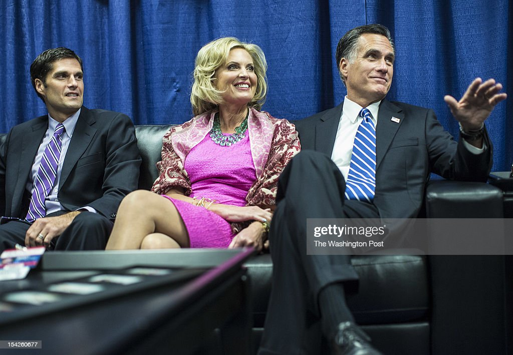 Ann Romney and Governor Mitt Romney chat with Matt Romney, left, and other members of the family while sitting in the 'blue room' before the town hall style debate... Republican nominee for President Governor Mitt Romney and President Barack Obama participate for a second time in a Presidential Debate at Hofstra University in Hempstead, New York, Tuesday evening October, 16, 2012.