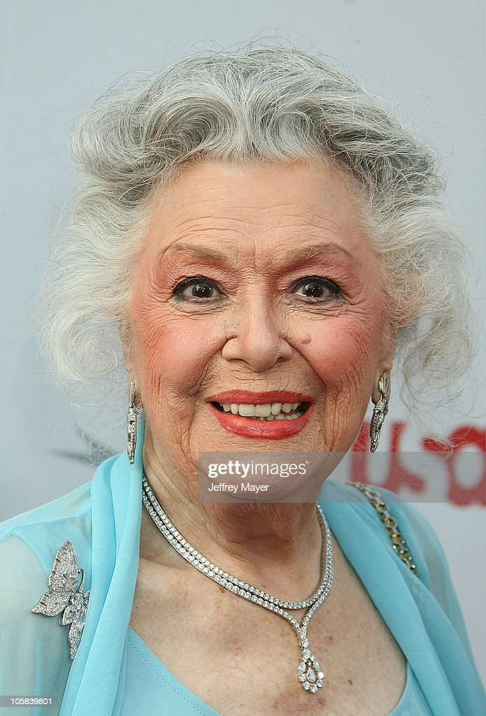 <a gi-track='captionPersonalityLinkClicked' href=/galleries/search?phrase=Ann+Rutherford&family=editorial&specificpeople=566836 ng-click='$event.stopPropagation()'>Ann Rutherford</a> during 34th AFI Life Achievement Award Honoring Sir Sean Connery - Arrivals at Kodak Theatre in Hollywood, California, United States.