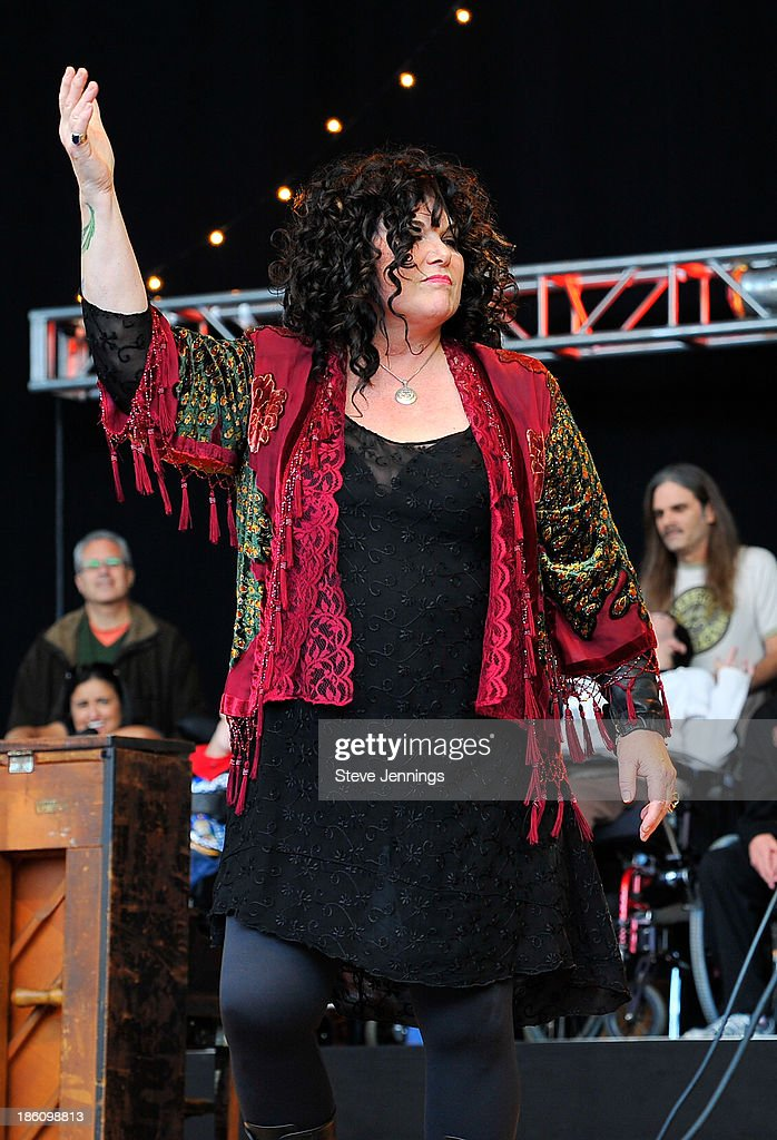 Ann Wilson of Heart performs on Day 2 of the 27th Annual Bridge School Benefit concert at Shoreline Amphitheatre on October 27, 2013 in Mountain View, California.
