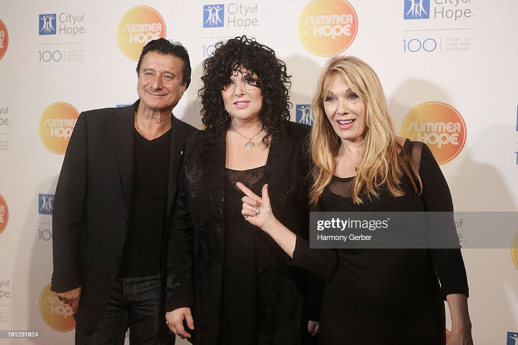Ann Wilson, <a gi-track='captionPersonalityLinkClicked' href=/galleries/search?phrase=Steve+Perry+-+Singer&family=editorial&specificpeople=4778806 ng-click='$event.stopPropagation()'>Steve Perry</a> and Nancy Wilson attend the City of Hope's 2013 Spirit of Life Gala at The Hercules Campus on September 19, 2013 in Playa Vista, California.