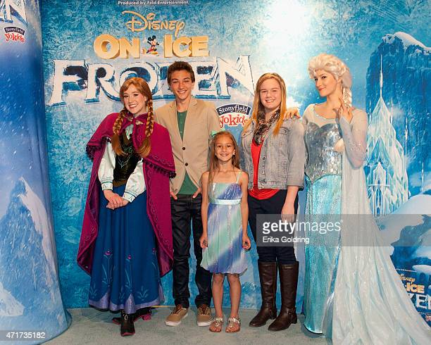 Anna actor Gavin Casalegno Ashlyn Casalegno Morgan Taylor and Elsa attend Disney On Ice presents Frozen Presented by Stonyfield YoKids Organic...