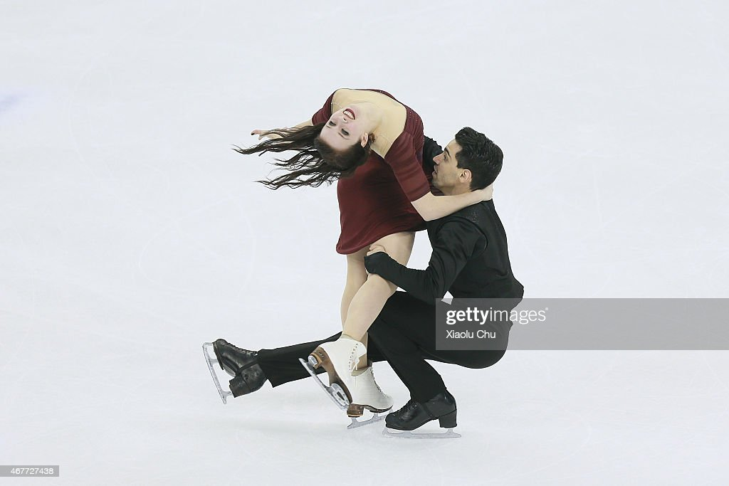 Anna Cappellini and Luca Lanotte of Italia perform during the Ice DanceFree Dance on day three of the 2015 ISU World Figure Skating Championships at...
