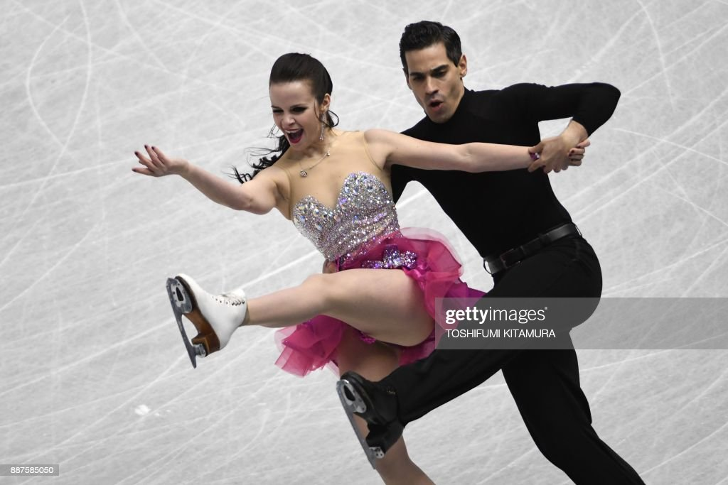 Анна Капеллини - Лука Ланоте / Anna CAPPELLINI - Luca LANOTTE ITA - Страница 10 Anna-cappellini-and-luca-lanotte-of-italy-compete-during-the-ice-picture-id887585050