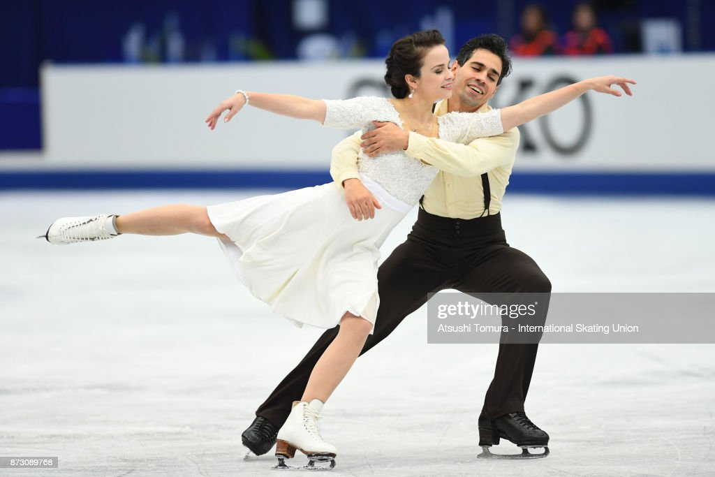 Анна Капеллини - Лука Ланоте / Anna CAPPELLINI - Luca LANOTTE ITA - Страница 9 Anna-cappellini-and-luca-lanotte-of-italy-compete-in-the-ice-dace-picture-id873089768