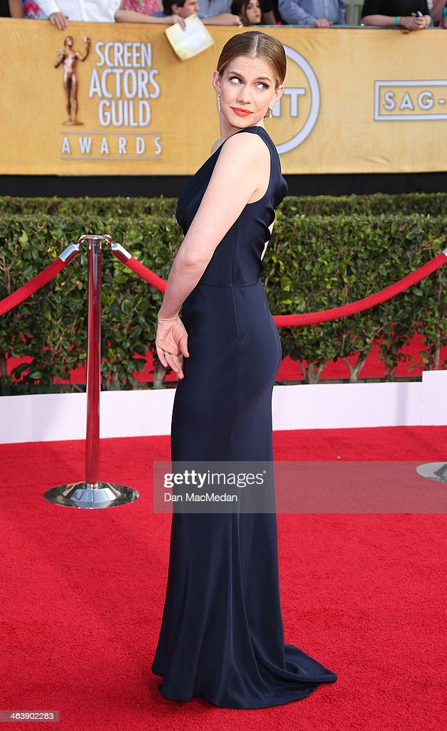 Anna Chlumsky arrives at the 20th Annual Screen Actors Guild Awards at the Shrine Auditorium on January 18, 2014 in Los Angeles, California.
