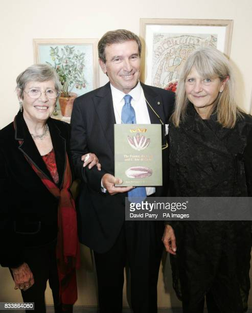 Anna Del Conte author Lorenzo Ercoly President Sacla UK and Val Archer artist at the launch of new culinary travelogue 'The Painter the Cook the Art...