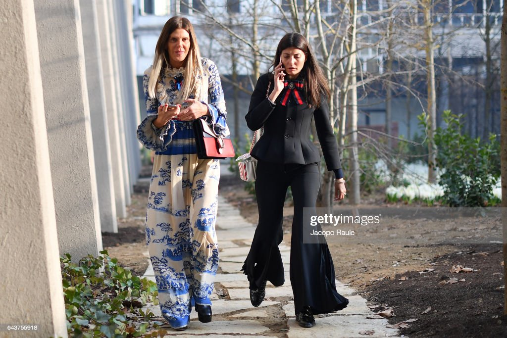 anna-dello-russo-and-giovanna-battaglia-arrive-at-the-gucciy-show-picture-id643755918