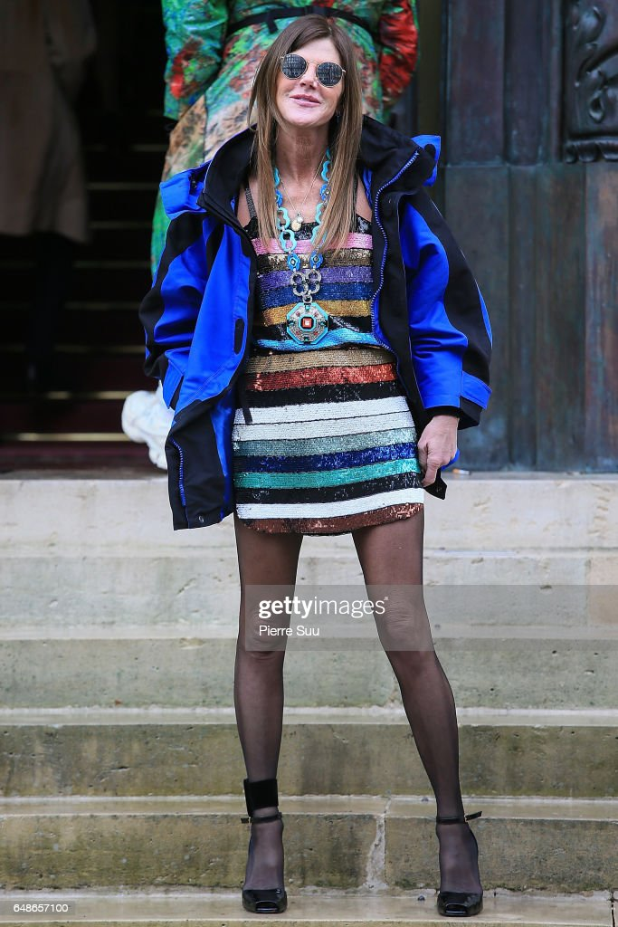 Anna Dello Russo arrives at the Giambattista Valli show as part of the Paris Fashion Week Womenswear Fall/Winter 2017/2018 on March 6, 2017 in Paris, France.