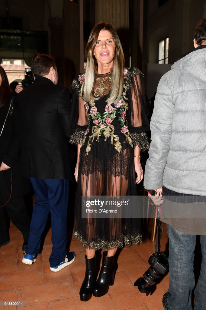anna-dello-russo-attends-the-alberta-ferretti-show-during-milan-week-picture-id643800214