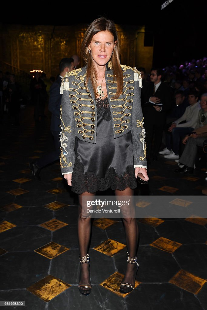 anna-dello-russo-attends-the-dolce-gabbana-show-during-milan-mens-picture-id631658320