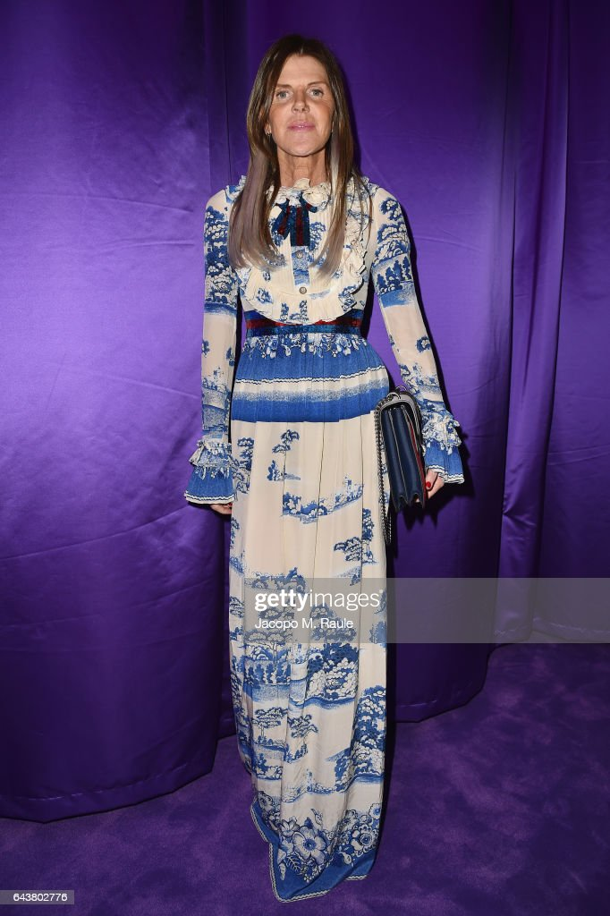 anna-dello-russo-attends-the-gucci-show-during-milan-fashion-week-picture-id643802776