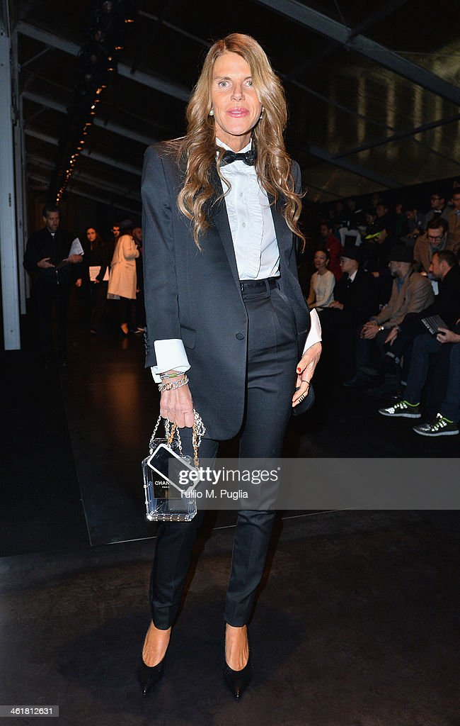 <a gi-track='captionPersonalityLinkClicked' href=/galleries/search?phrase=Anna+Dello+Russo&family=editorial&specificpeople=4391772 ng-click='$event.stopPropagation()'>Anna Dello Russo</a> attends the Neil Barrett show as a part of Milan Fashion Week Menswear Autumn/Winter 2014 on January 11, 2014 in Milan, Italy.