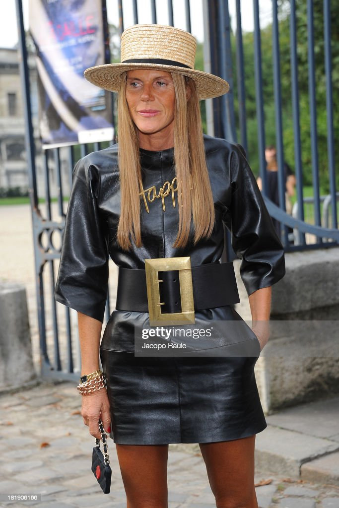 <a gi-track='captionPersonalityLinkClicked' href=/galleries/search?phrase=Anna+Dello+Russo&family=editorial&specificpeople=4391772 ng-click='$event.stopPropagation()'>Anna Dello Russo</a> leaves the Balenciaga fashion show during Paris Fashion Week - Womenswear SS14 - Day 3 on September 26, 2013 in Paris, France.