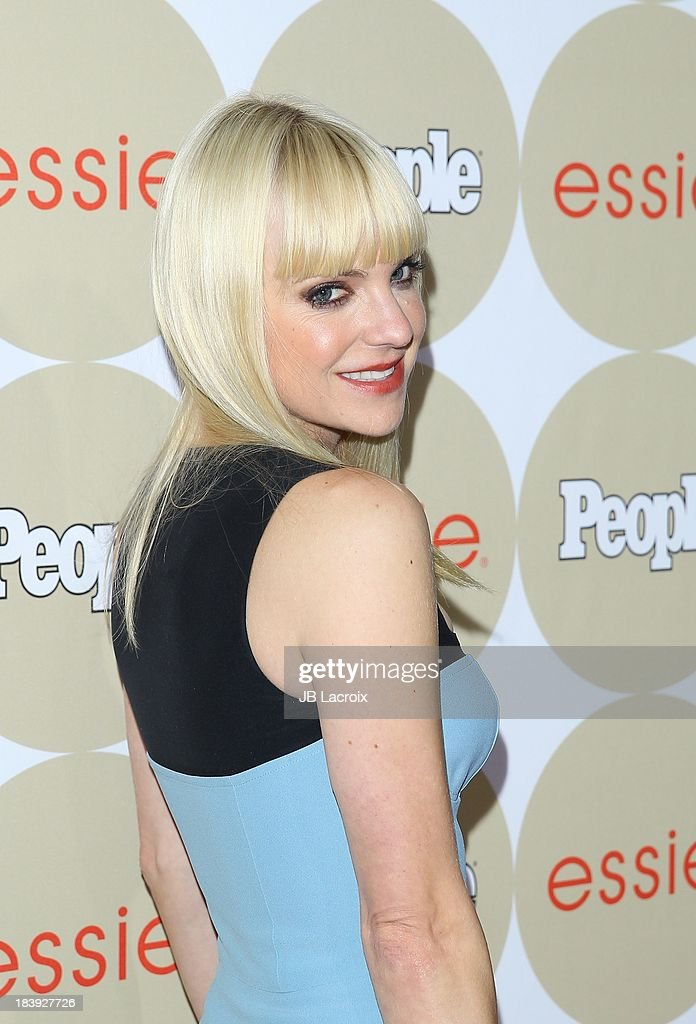 <a gi-track='captionPersonalityLinkClicked' href=/galleries/search?phrase=Anna+Faris&family=editorial&specificpeople=213899 ng-click='$event.stopPropagation()'>Anna Faris</a> attends the People's One To Watch Event held at Hinoki & The Bird on October 9, 2013 in Los Angeles, California.