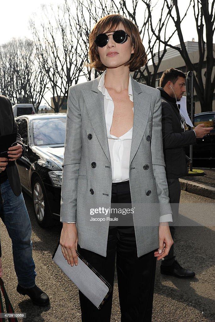 Anna Foglietta arrives at Milan Fashion Week Womenswear Autumn/Winter 2014 on February 21, 2014 in Milan, Italy.