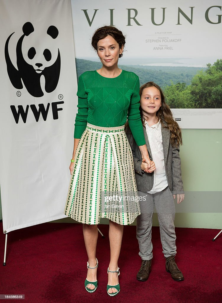 <a gi-track='captionPersonalityLinkClicked' href=/galleries/search?phrase=Anna+Friel&family=editorial&specificpeople=202225 ng-click='$event.stopPropagation()'>Anna Friel</a> and daughter Gracie attend a screening of 'Virunga', a short film about Africa's oldest national park and its wildlife at BFI IMAX on October 14, 2013 in London, England.