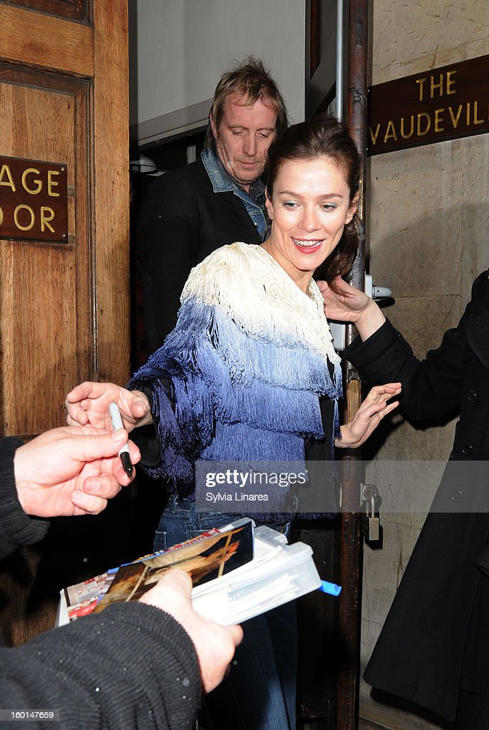 <a gi-track='captionPersonalityLinkClicked' href=/galleries/search?phrase=Anna+Friel&family=editorial&specificpeople=202225 ng-click='$event.stopPropagation()'>Anna Friel</a> leaving The Vaudeville Theatre on January 26, 2013 in London, England.