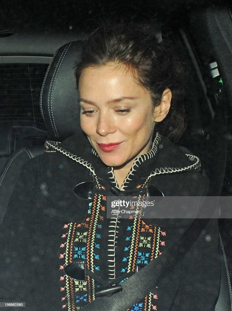 <a gi-track='captionPersonalityLinkClicked' href=/galleries/search?phrase=Anna+Friel&family=editorial&specificpeople=202225 ng-click='$event.stopPropagation()'>Anna Friel</a> sighting leaving the Vaudeville Theatre on November 23, 2012 in London, England.