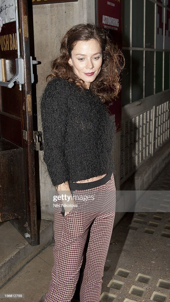<a gi-track='captionPersonalityLinkClicked' href=/galleries/search?phrase=Anna+Friel&family=editorial&specificpeople=202225 ng-click='$event.stopPropagation()'>Anna Friel</a> sighting on November 21, 2012 in London, England.
